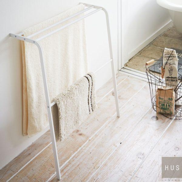 Toallero para baño metálico